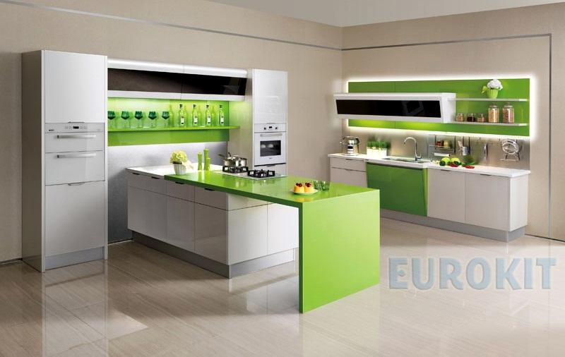 Mẫu tủ bếp nhựa cao cấp Arcylic sang trọng hiện đại